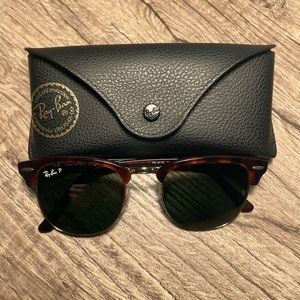 Like new Ray Ban Clubmasters w/case